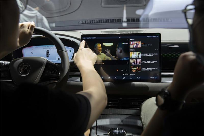 比亚迪汉8月热销9035辆,持续领跑中国品牌中大型轿车市场